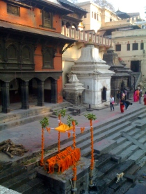 Funeral preparations, Bagmati River, Pashupatinath Temple