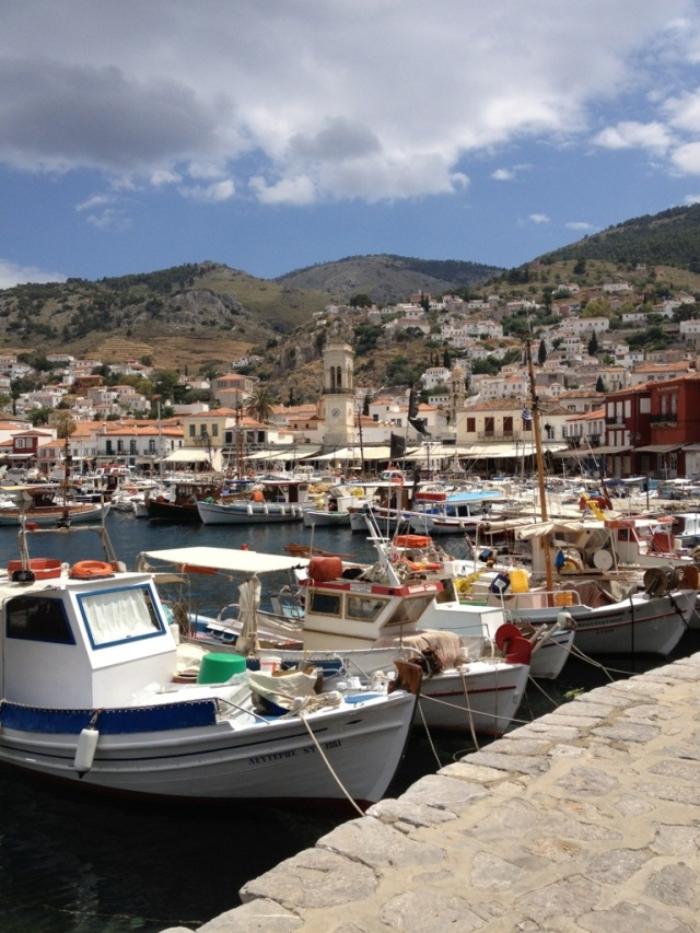 Harbor at Hydra Port