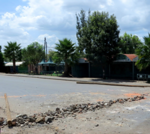 Barricade on main road in Ambo